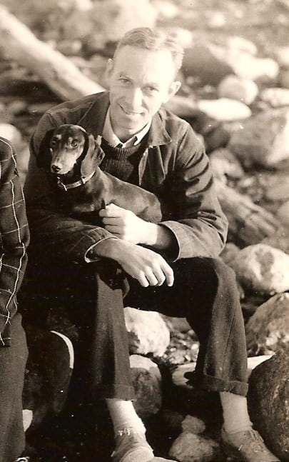 e.b. white dachshund essay In the summer of 1948, eb white sat in a new york city hotel room and, sweltering in the heat, wrote a remarkable pristine essay, here is new york.